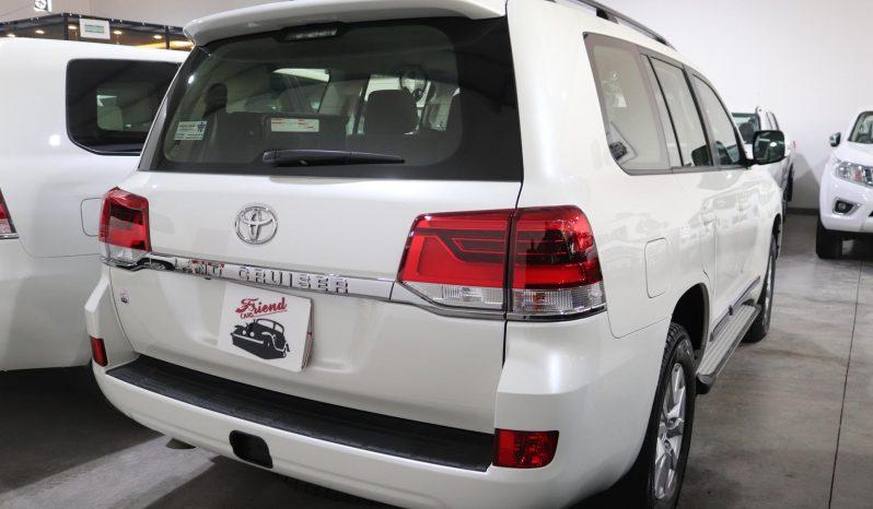 Toyota LandCruiser Petrol 2020 full